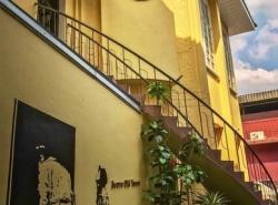 เซ้ง กิจการ hostel บนถนนพระสุเมรุ ติดกับถนนราชดำเนินกลาง ใกล้แหล่งท่องเที่ยวสำคัญในเขตพระนคร