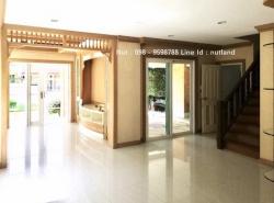ขายบ้านเดี่ยว 2 ชั้น หมู่บ้านลัดดารมย์ เฟส 3 เนื้อที่ 126.88 ตร.ว. 4นอน 4น้ำ เฟอร์นิเจอร์ Build in