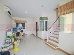 ขาย TownHome 2 ชั้น 19.5 ตร.ว. หมู่บ้าน Golden Town อ่อนนุช-พัฒนาการ ซ.อ่อนนุช 65 ใกล้ Airport Link